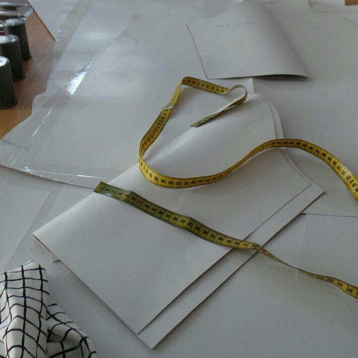 Tape-Measure-on-Table